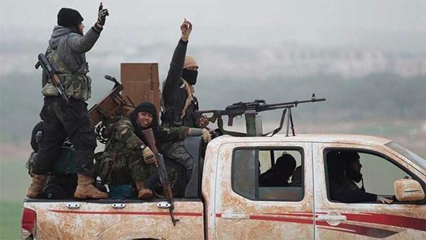 İdlib'de cihatçılar arasındaki savaş büyüyor