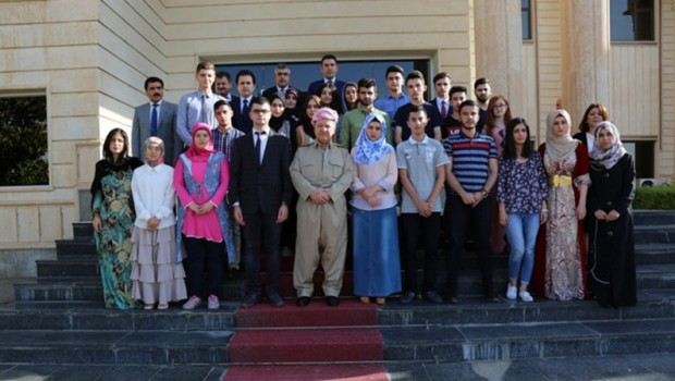 Başkan Barzani'den öğrencilere: Sizinle gurur duyuyorum