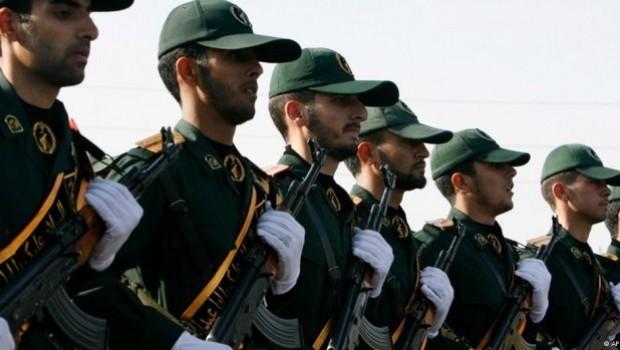 İran'da askeri birliklere ateş açıldı: 4 Ölü, 8 Yaralı