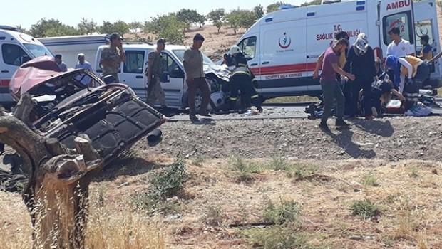 Urfa'da feci kaza: 4 ölü, 2 yaralı
