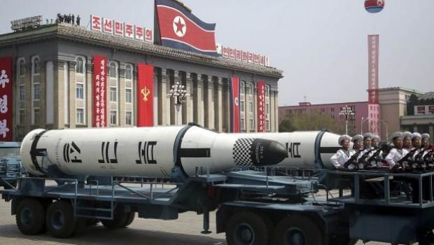 Kuzey Kore: Japonya üzerinden atılan füze ilk adımdı