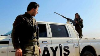 Qamişlo'da YPG ile Rejime bağlı güçler arasında çatışma