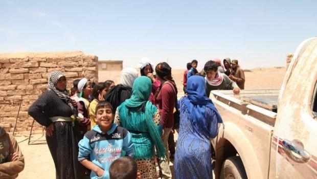 Rakka'da IŞİD'den kurtarılan siviller güvenli bölgelere ulaştırıldı