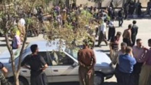 Doğu Küdistan'da isyan eden halk, kaymakamlığı bastı!