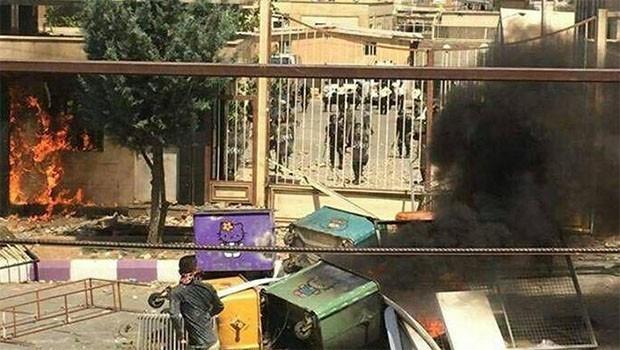 Doğu Kürdistan'da isyan büyüyor!