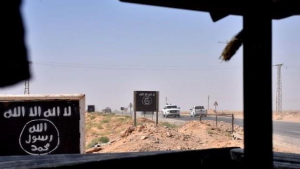 Guardian: Eski IŞİD üyeleri  sınırdan Türkiye'ye geçiyor