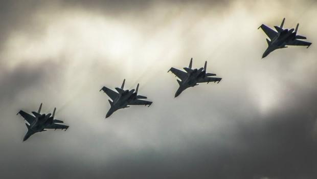 Rusya ve Suriye savaş uçakları QSD'yi bombaladı