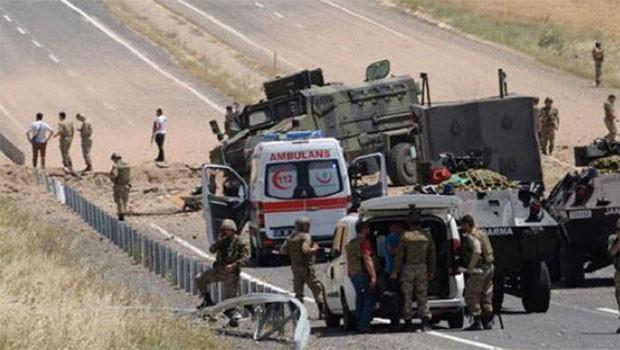 Hakkari'de patlama... 1 Asker yaşamını yitirdi