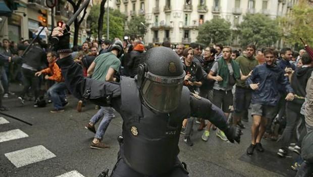 İspanya, Katalonya'dan özür diledi