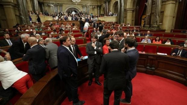 Katalan parlamentosu yasağa rağmen toplanacak