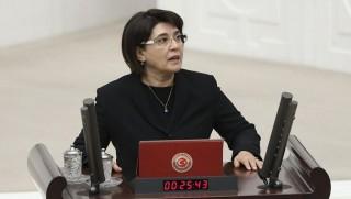 Leyla Zana'nın vekilliğinin düşürülmesi için komisyon kuruldu!