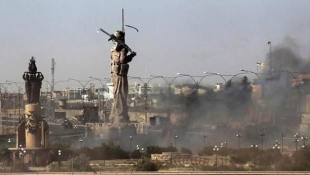 Haşdi Şabi, Kerkük'teki Peşmerge heykelini ateşe verdi!