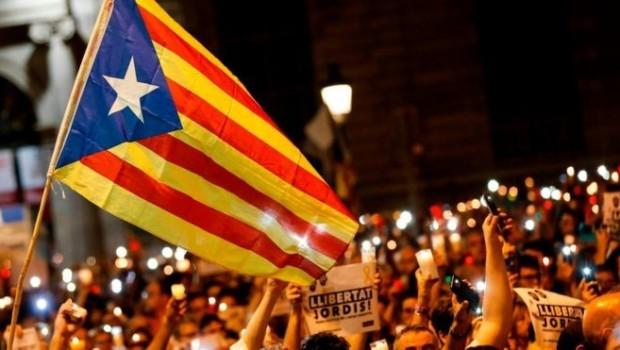 Katalonya halkından geri adım yok: 'Bağımsızlık, demokrasi, özgürlük'