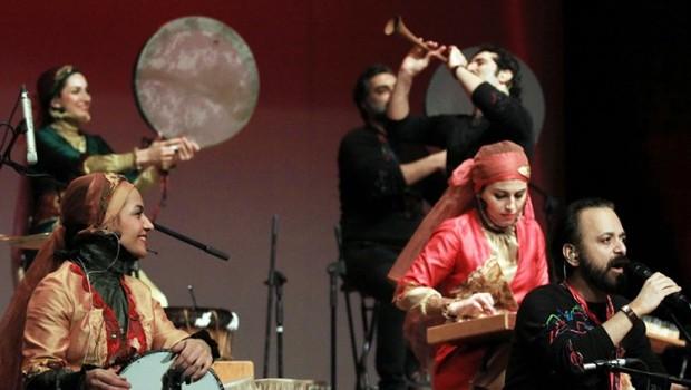 Rastak müzik grubu konser gelirlerini depremzedelere bağışlıyor