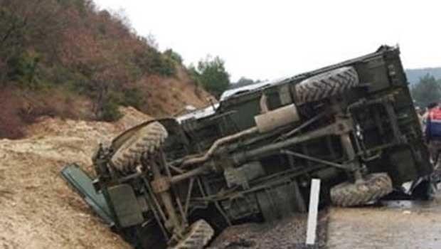 Bingöl'de askeri araç devrildi: 1 asker hayatını kaybetti