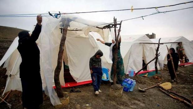 Soğuk hava koşulları Doğu Kürdistanlı depremzedeleri zora soktu