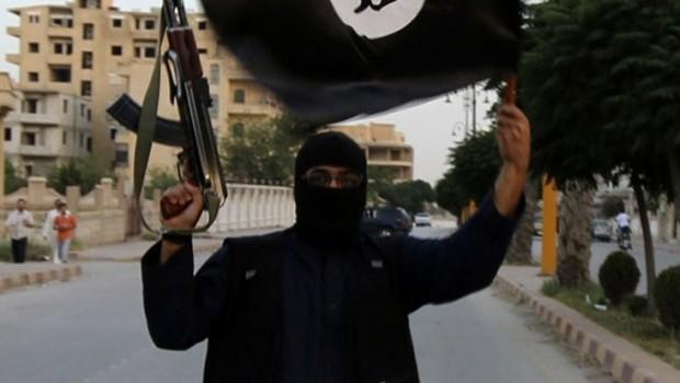 IŞİD'e katılmasın diye oğlunu zehirlemiş!