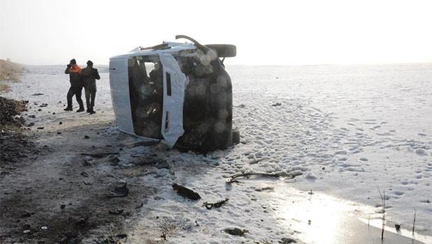 Ağrı'da korkunç kaza.. 3 ölü, 11 yaralı