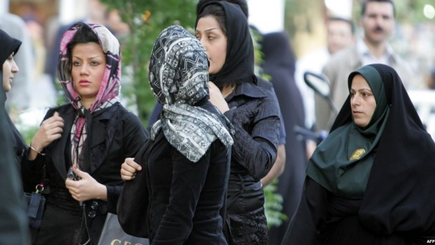 İran'da 'İyi Örtünmeyen' kadınlar artık hapse atılmayacak