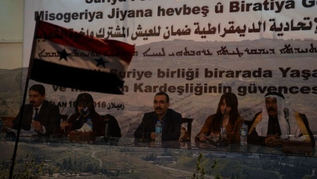 Mahçupyan: PYD'nin varlığı Sünni Arap muhalefetin hareket alanını genişletiyor
