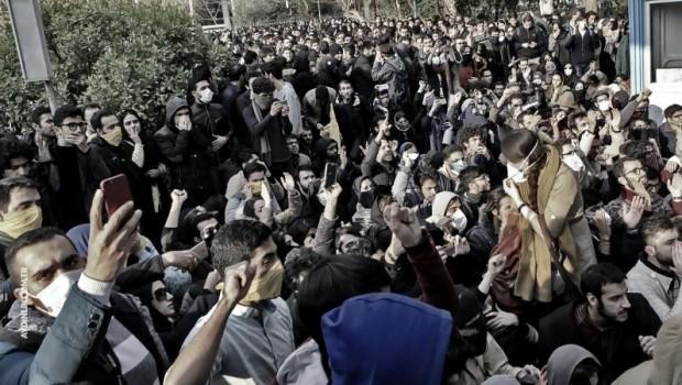 İran'da gözaltına alınanların sayısı açıklandı!