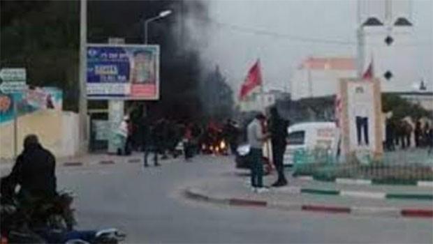 Orta Doğu'da bir ülke daha karıştı! Binlerce kişi sokakta...