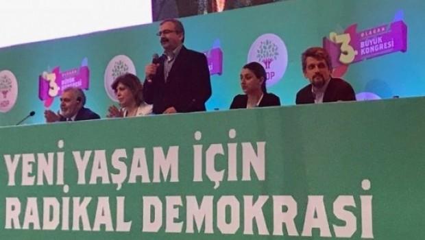 Başkan Barzani'nin mesajı HDP kongresinde ayakta alkışlandı