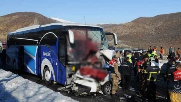 Bingöl'de feci kaza: 4 ölü, 7 yaralı