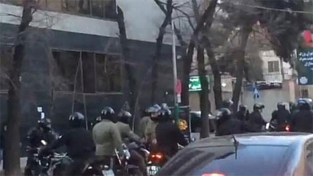 İran'da Tarikat-Güvenlik gücü çatışması!