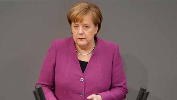 Merkel: Suriye'deki katliamı durdurmalıyız