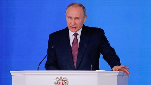Putin canlı yayında ilan etti! Yeni füzeler...