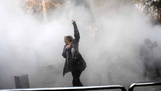 İran'da 8 Mart'ta kadınlara polis müdahalesi