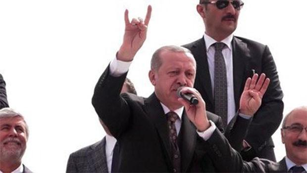 Erdoğan 'bozkurt' işareti yaptı: 'Afrin'e girdik giriyoruz'