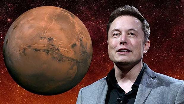 Elon Musk tarih verdi: Mars'a yolculuk başlıyor