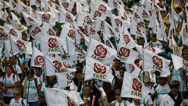 Farc'ın ilk kez katıldığı seçimlerde zafer barış karşıtlarının