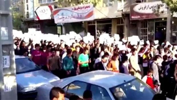Efrin operasyonu birçok yerde protesto edildi