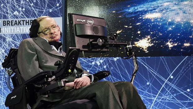 Fiziğin dehası Stephen Hawking hayatını kaybetti