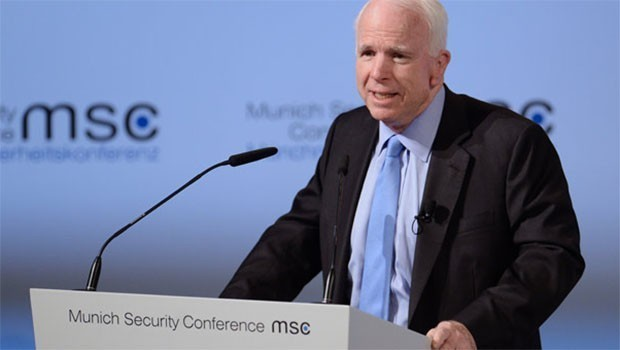 Senatorê Amerîkî McCain berî Enqerê serdana Kobaniyê kir