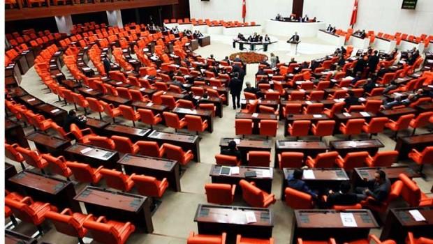 Parlamentoya Tirkiyê dirêjkirina dema Rewşa Awarte pesend kir