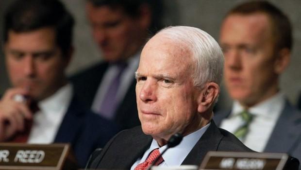 John McCain: Îran aloziyên Bexda û Hewlêrê kûrtir dike!