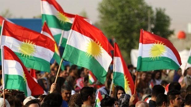 Du welatiyên kurd ji ber bilindkirina ala Kurdistanê hatin cezakirin