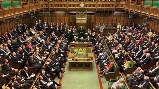 Parlamentoya Îngîltereyê ji bo êrişa Kerkûkê civîneke taybet li dar dixe