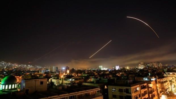 Amerîka, Fransa û Brîtanya dest bi êrişa li dijê Sûriyê kirin