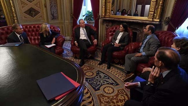 Îlham Ehmed rewşa Rojava bi senatorên Amerîkayê re gotûbêj kir