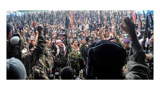 Filipinler'de Müslüman isyancılarla 'özerklik' anlaşması