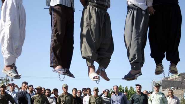 İran'da 15 mahkum daha idam edildi