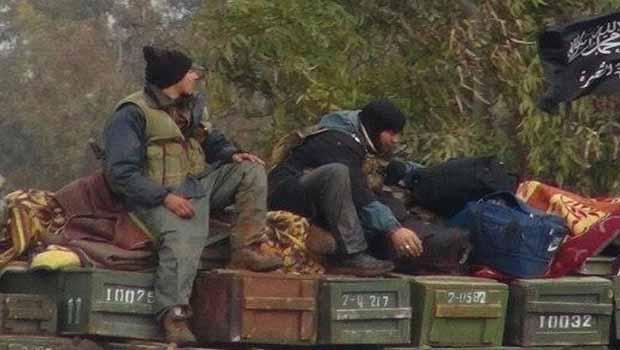 Türkiye'nin Suriyeli muhaliflere verdiği silahlar belgelendi