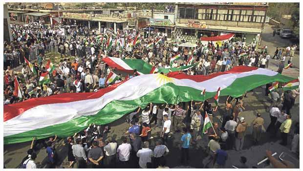Kürdistan'da Bayrak Günü Coşkusu