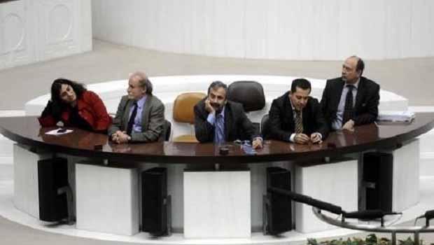 HDP ve BDP'li vekillerin talepleri değil ama halleri basında!