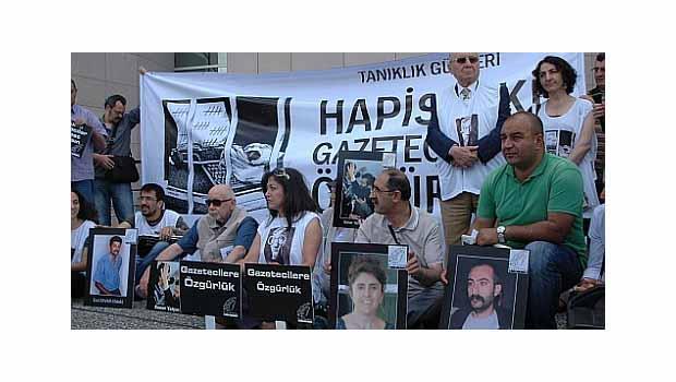Tutuklu gazeteciler listesinde Türkiye yine birinci